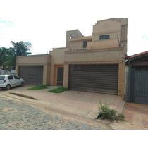 Alquilo Residencia De Tres Plantas En Asuncion A1609